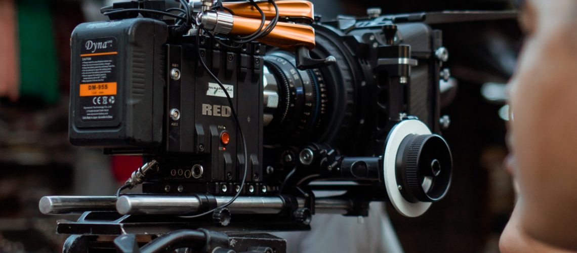 photo-of-camera-equipment-3062553